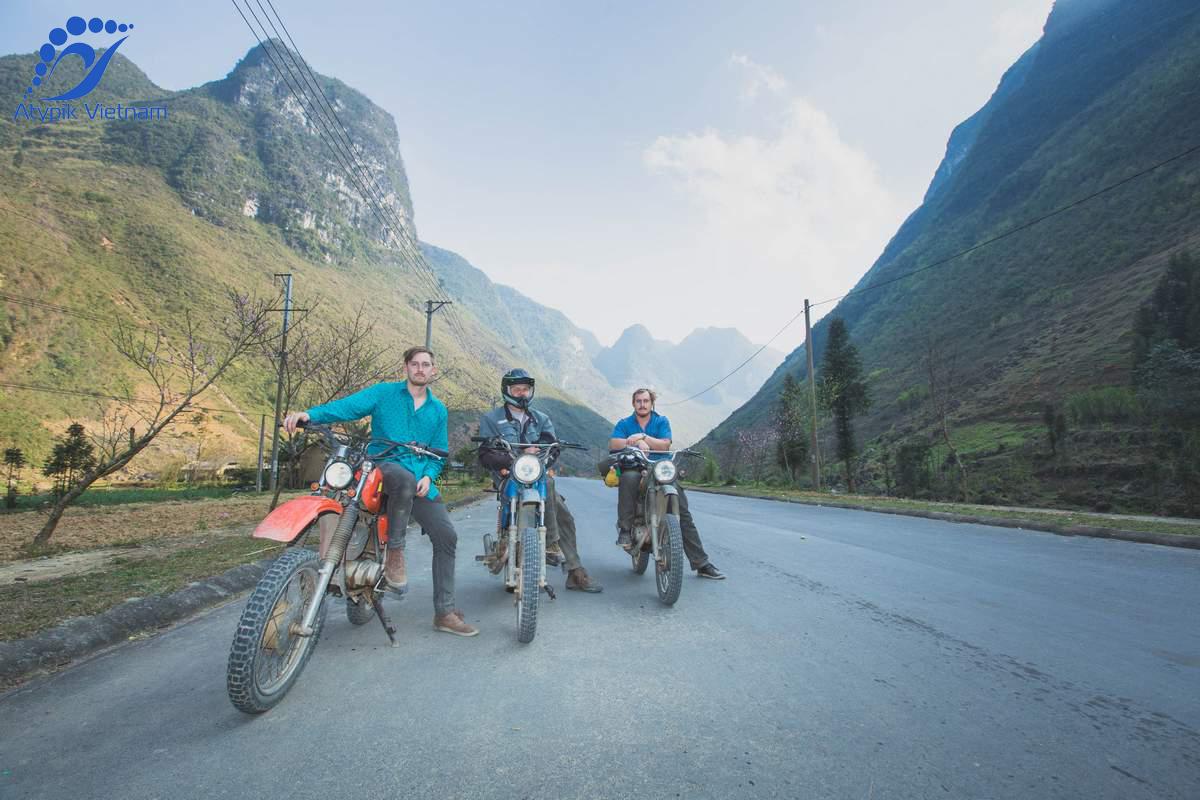De Hanoi à Cat Ba en moto et en ferry bateau à grande vitesse