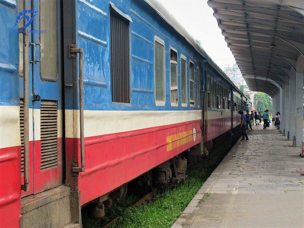 De Hanoi à Cat Ba par le train et le ferry bateau à grande vitesse