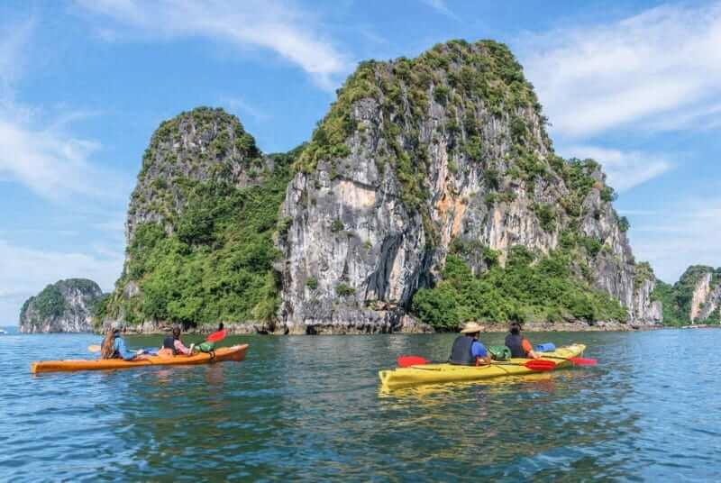 Kayak dans le village de pêcheurs de Vung Vieng