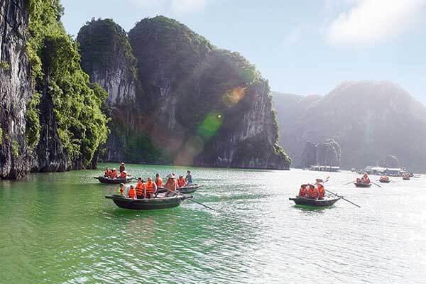 Météo de la baie d'Halong en été