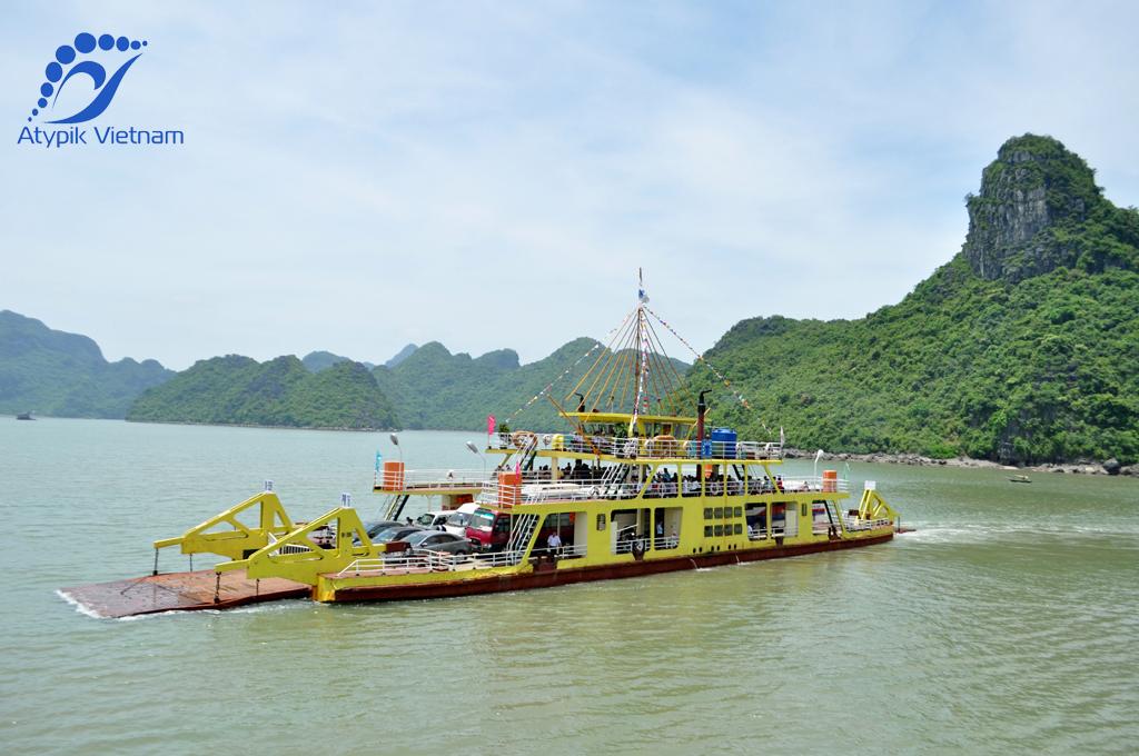 Prendre un ferry public depuis la baie d'Halong