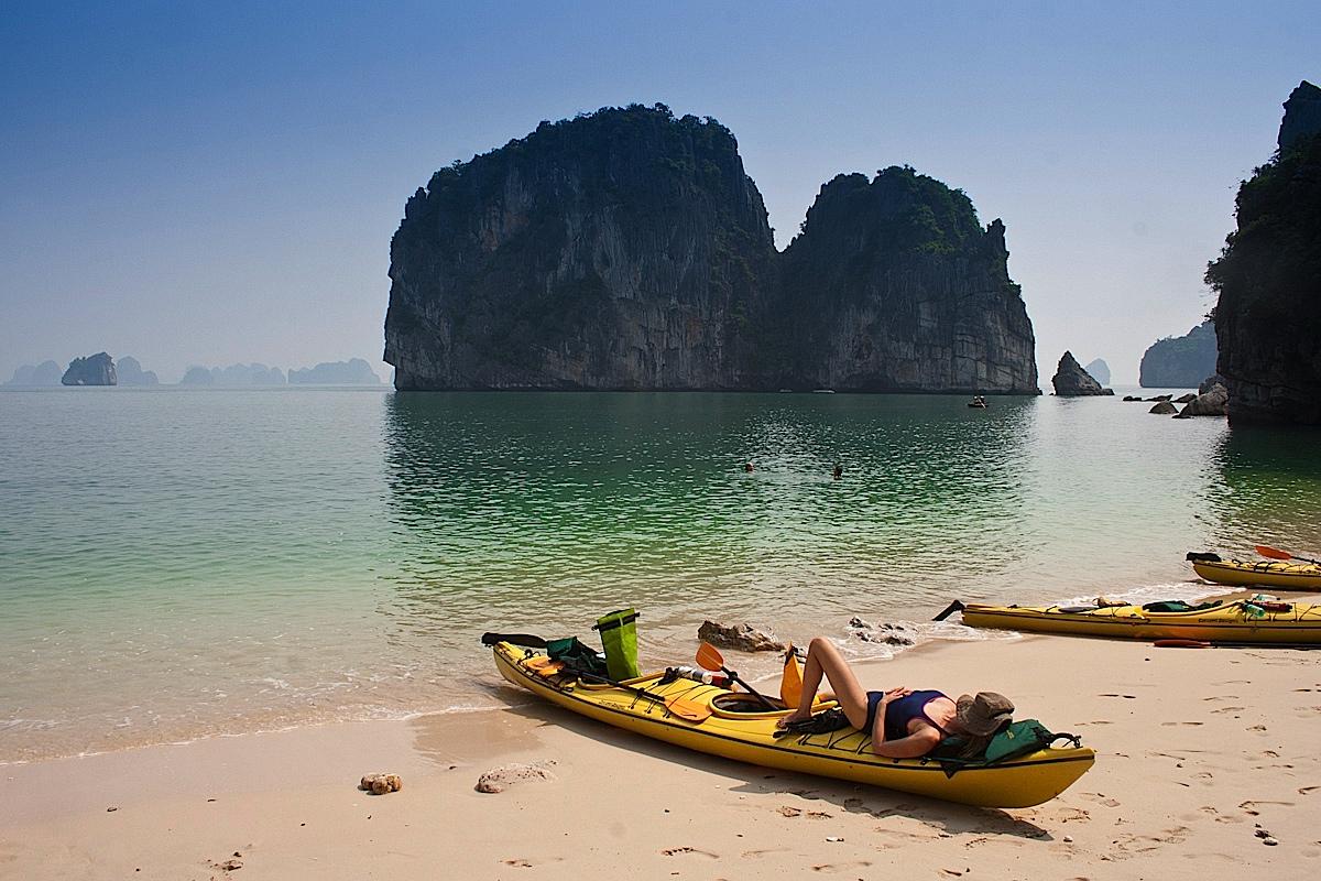 Profitez du soleil sur les plages d'Halong