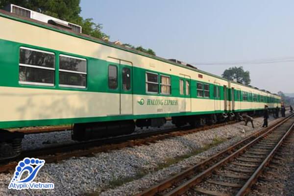 Train de Hanoi à la baie d'Halong