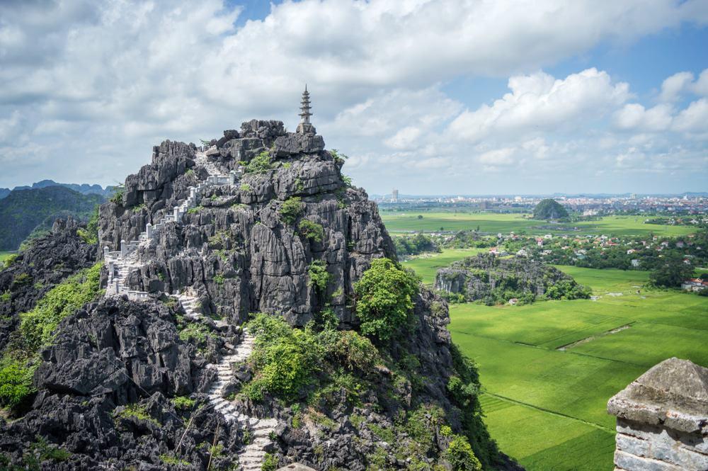 Escalader le pic Hang Mua