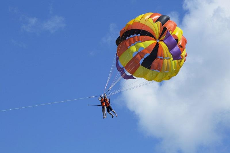 Essayez le parachute ascensionnel à Nha Trang