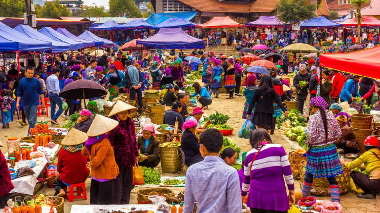 Faites du shopping dans les marchés tribaux de Sapa