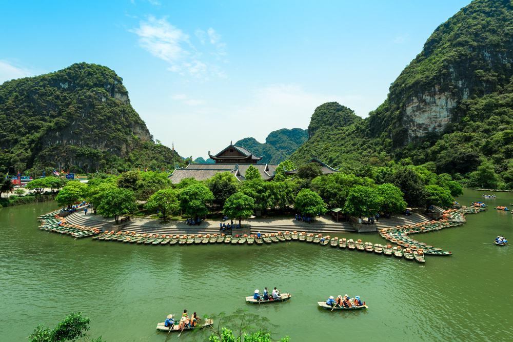 Faites une excursion en bateau à Trang An