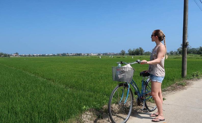 Parcourir la campagne à vélo
