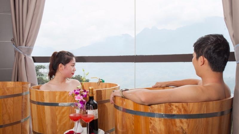 Profiter du bain aux herbes de Dzao rouge sapa