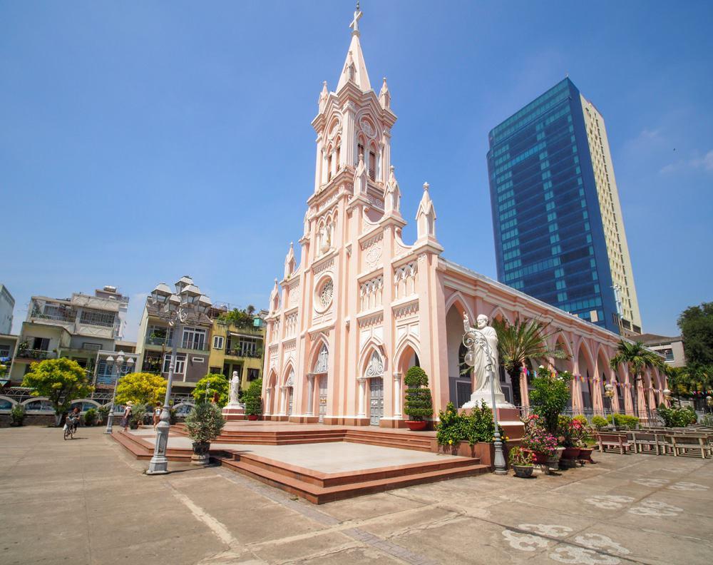 Visite de la cathédrale de Da Nang