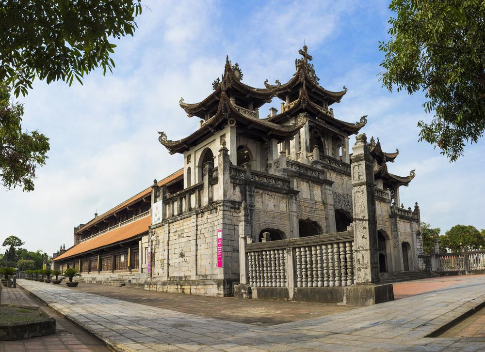Visite de la cathédrale de Phat Diem
