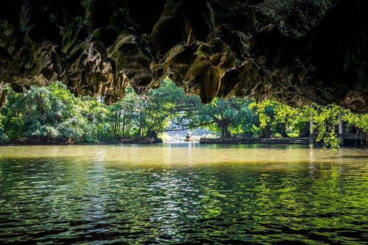 Visiter Tam Coc - Une grotte mystérieuse