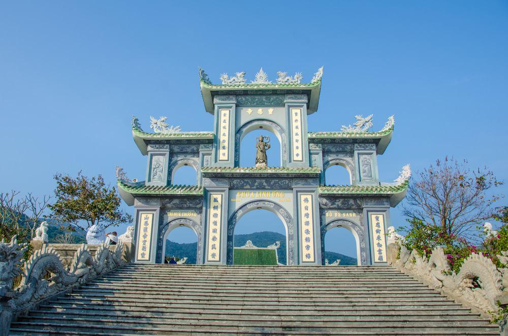 Visiter la pagode Linh Ung