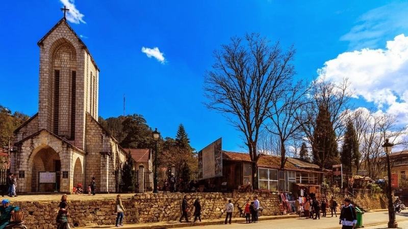 Visiter l'église de Sapa