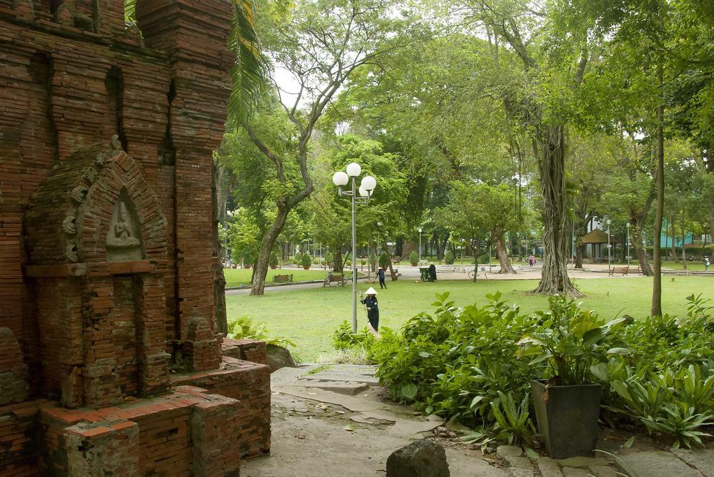 Prendre un café au parc Tao Dan