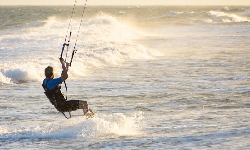 Prendre une leçon de kitesurf