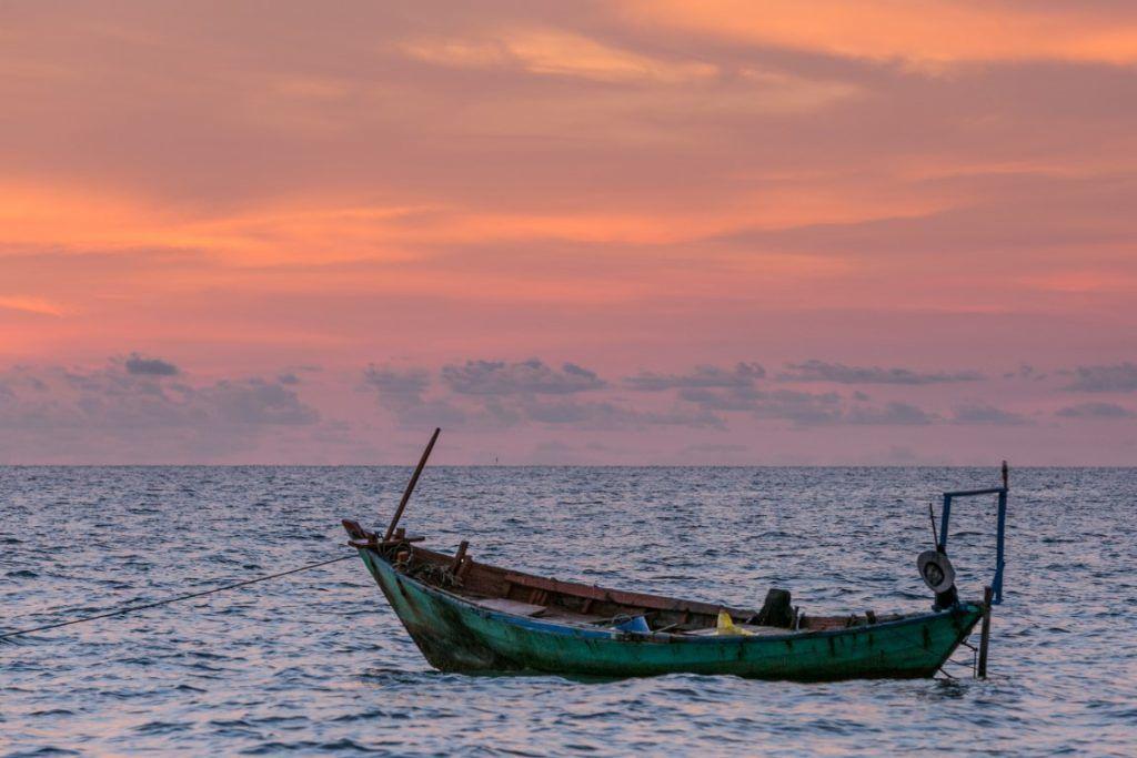 Profitez d'une promenade en bateau au coucher du soleil