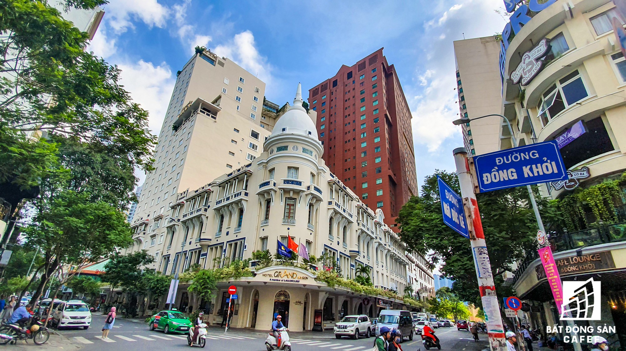 Se promener à la rue Dong Khoi