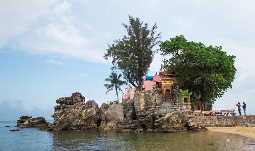 Visite du temple Dinh Cau