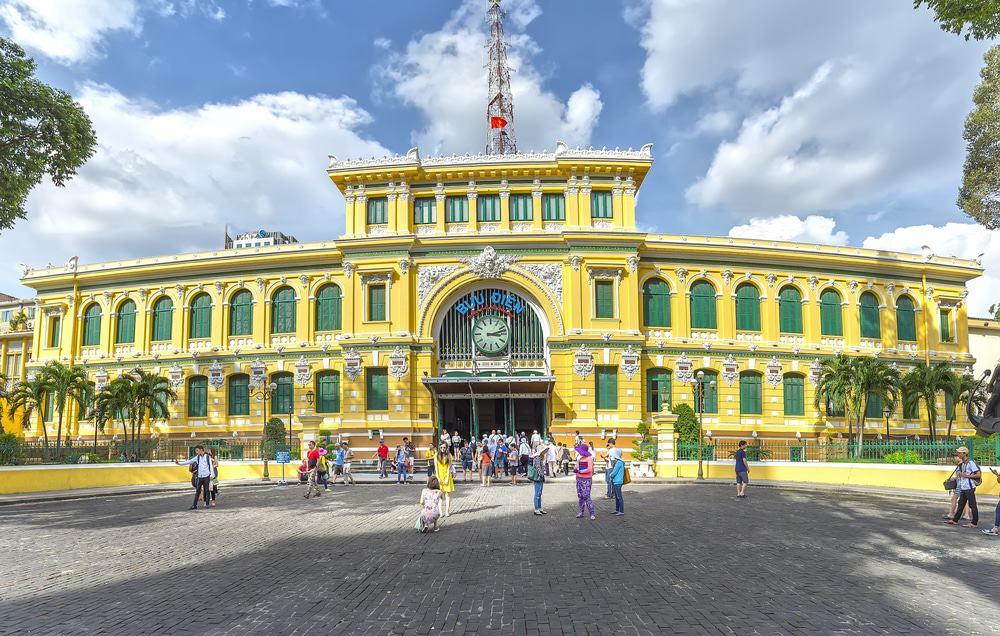 Visiter la poste centrale