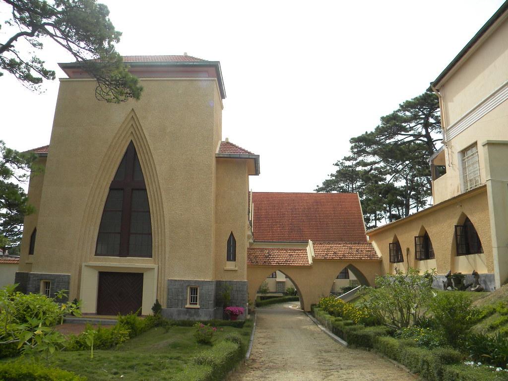 Visiter l'ancien couvent des Oiseaux dalat