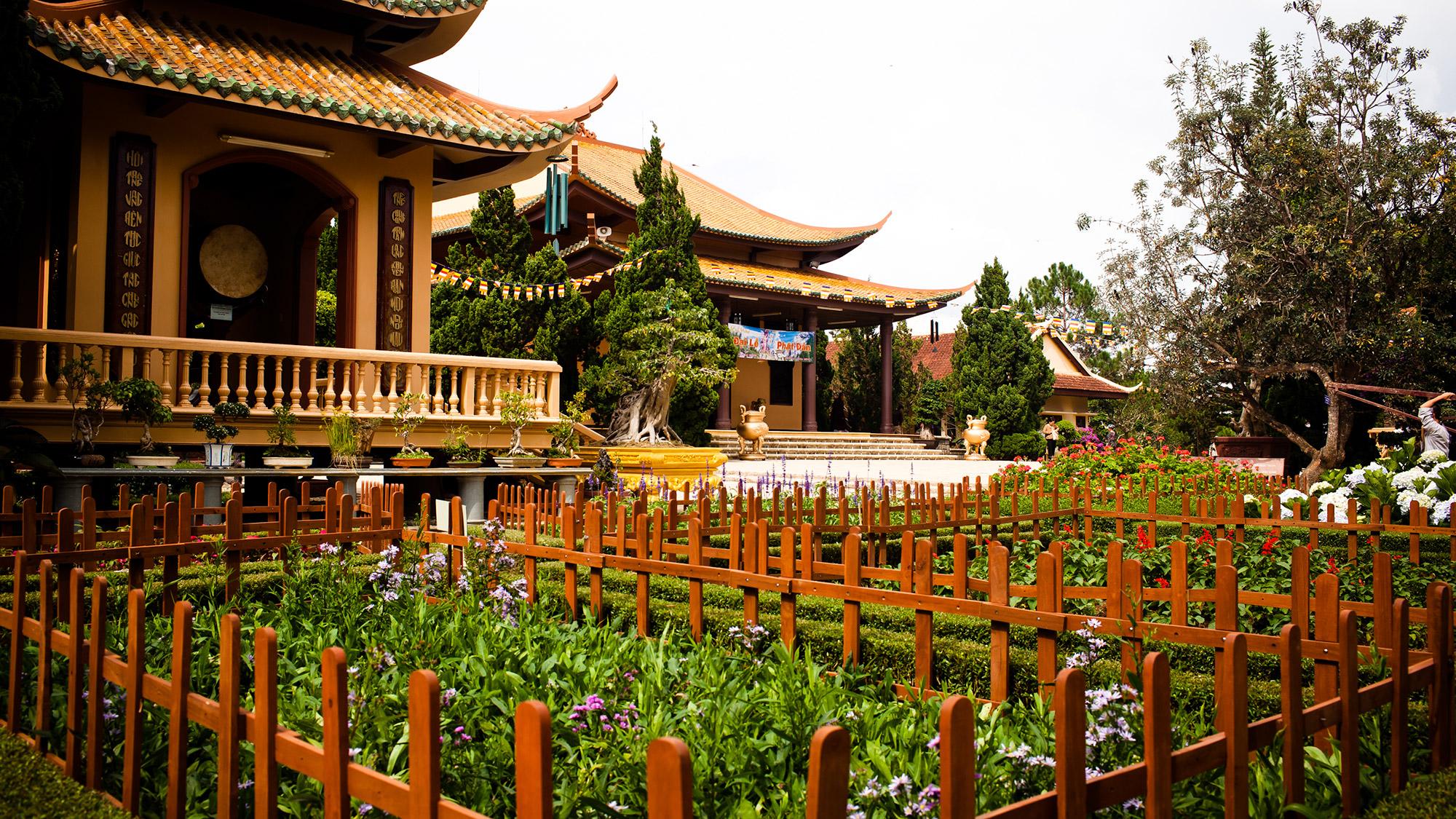 Visiter le monastère Truc Lam dalat