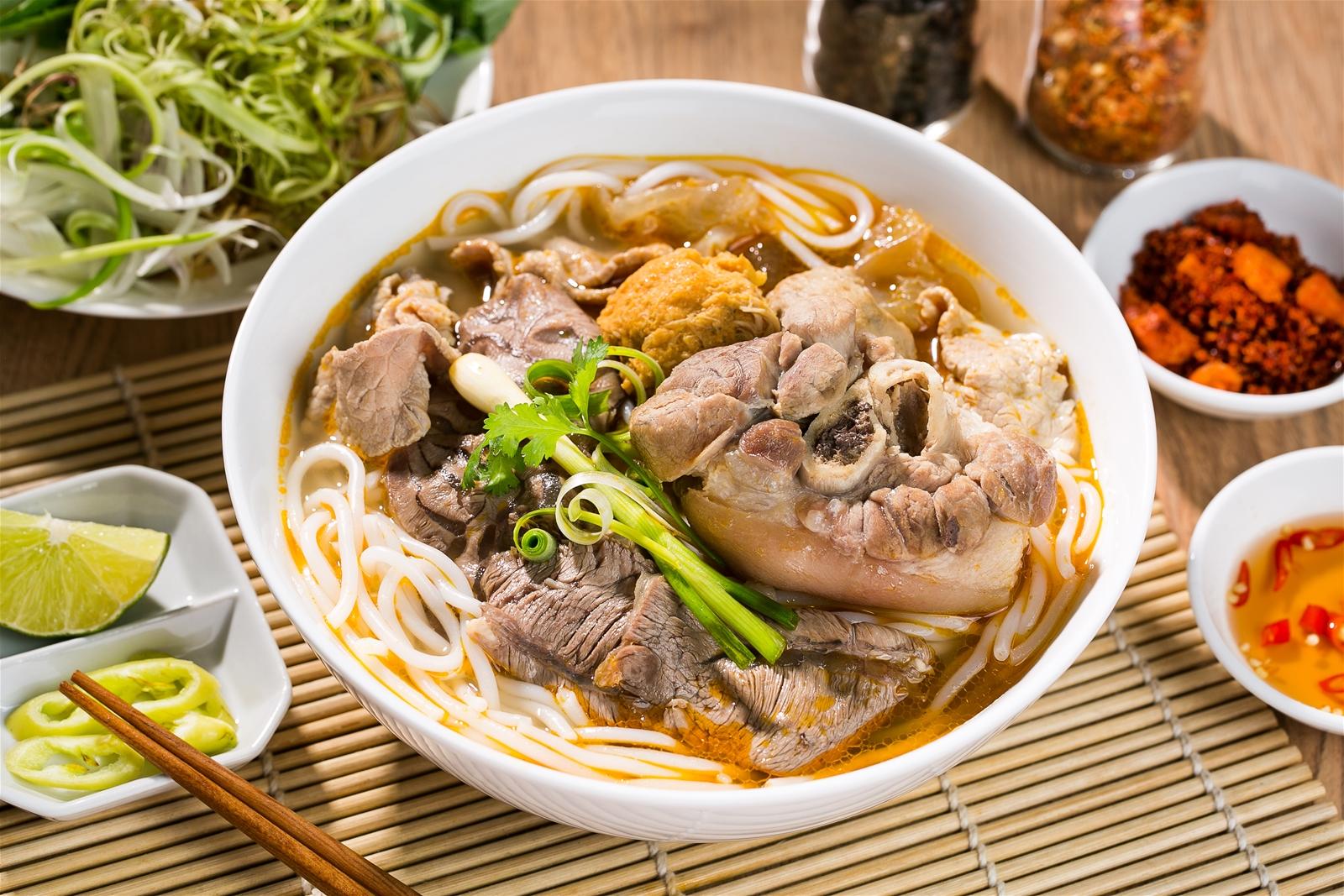 Bun Bo Hue - Nouilles au bœuf à la mode de Hue