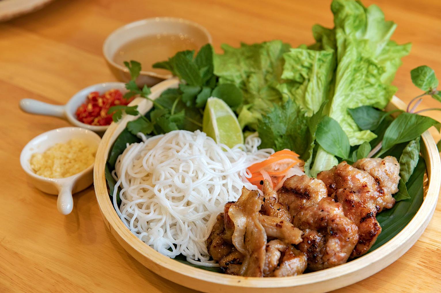 Bun Cha - Nouilles vietnamiennes à la viande grillée