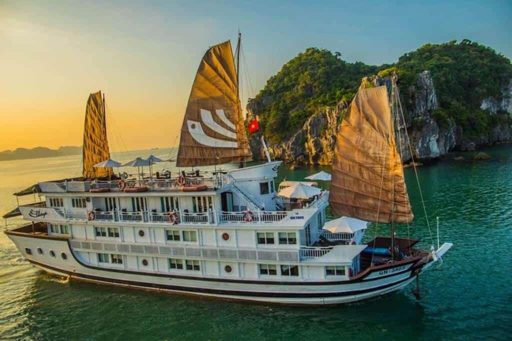 Croisière 2 jours 1 nuit dans la baie d'Ha Long