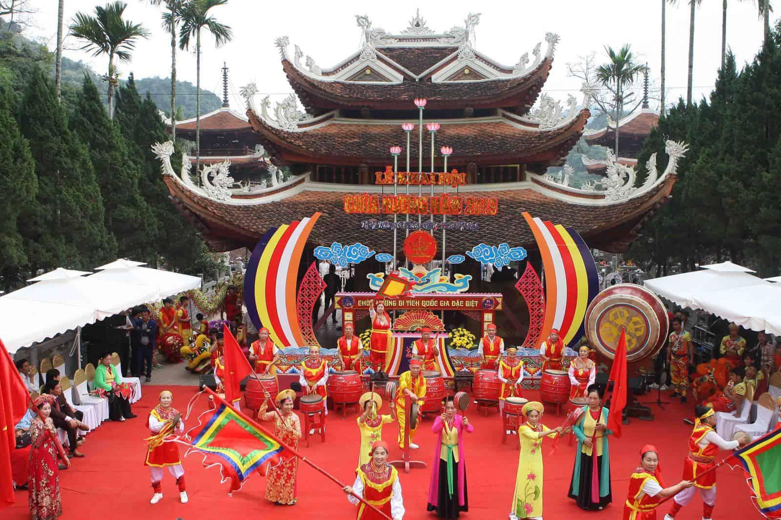 Fête et festival de la pagode des parfums