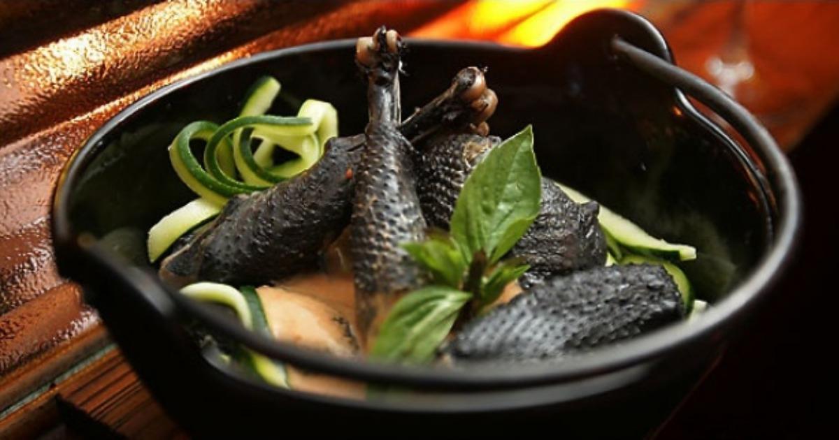 Ga Tan - Soupe de poulet noir à l'étouffée