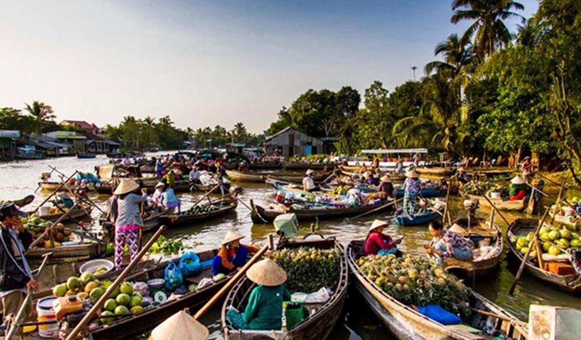 La vie quotidienne des habitants du marché flottant Cai Rang