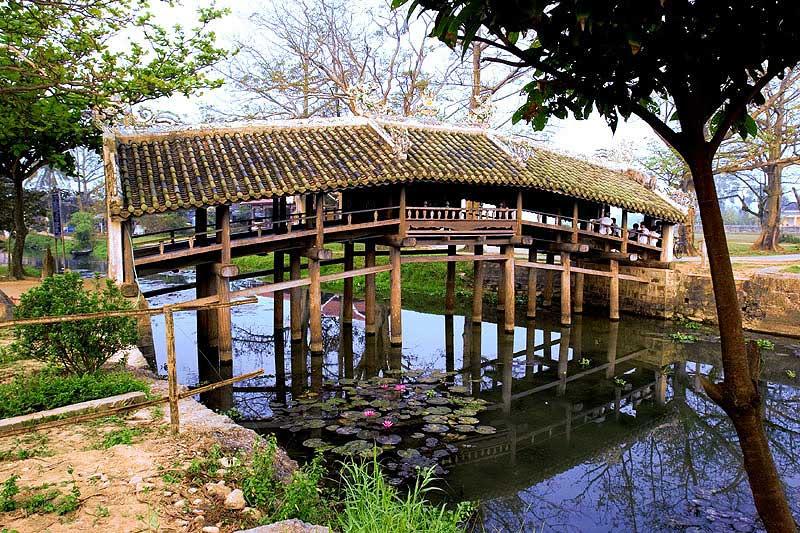 Le pont couvert de Thanh Toan