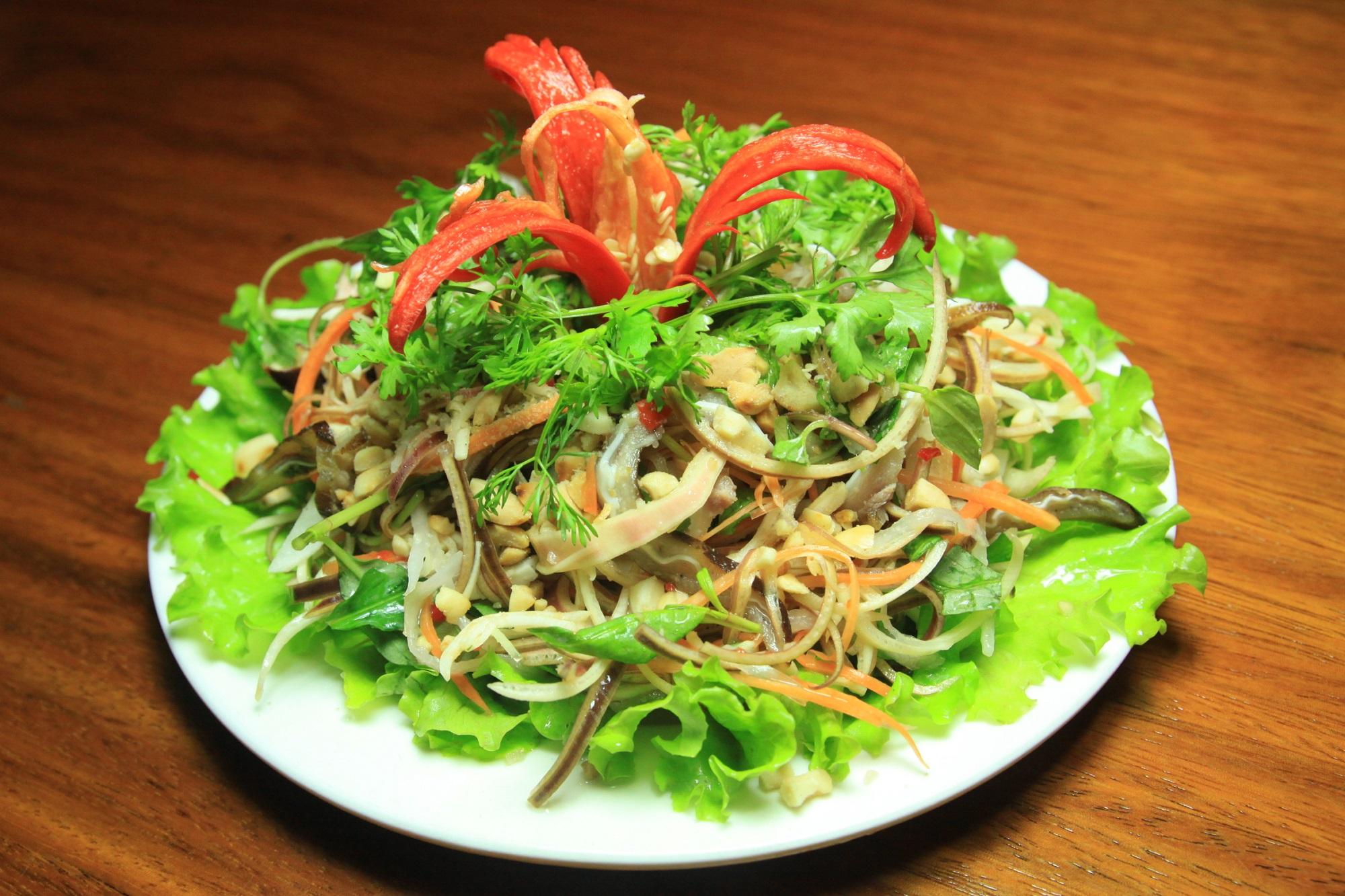 Nom Hoa Chuoi - Salade de fleurs de bananier du Vietnam