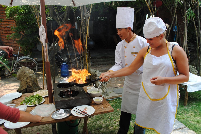 Participer à un cours de cuisine à Hué Vietnam