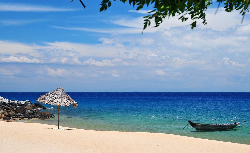 Se baigner aux plages sur l'île Cham Vietnam
