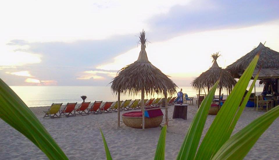 Se détendre aux belles plages hue