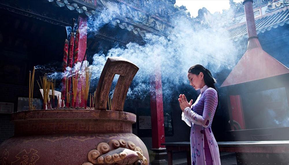 Visite de la pagode fete du tet vietnam
