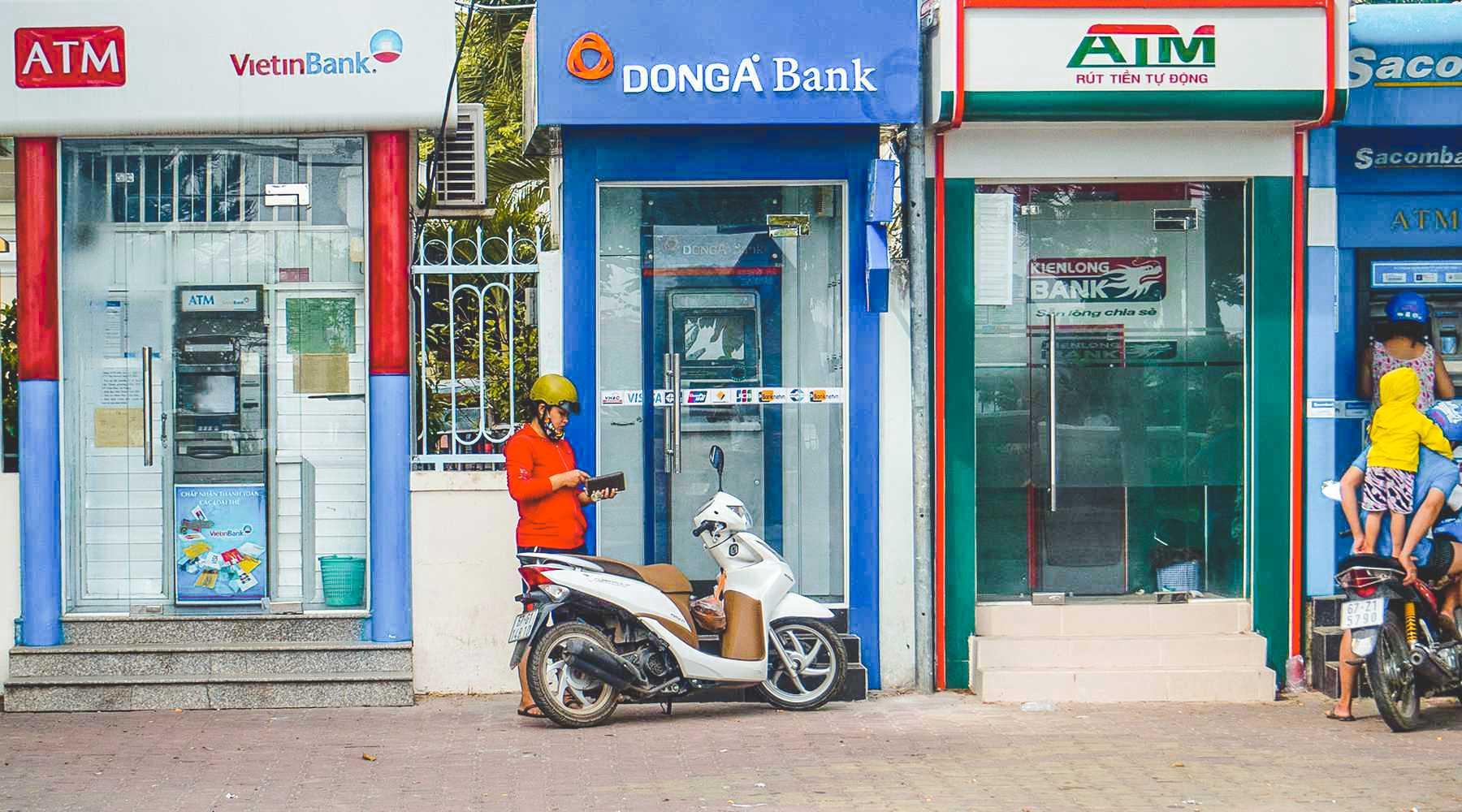 distributeurs automatiques de billets au Vietnam