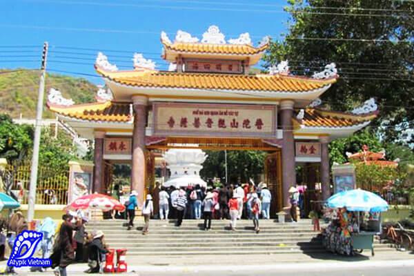 pagode-de-niet-ban-tinh-xa