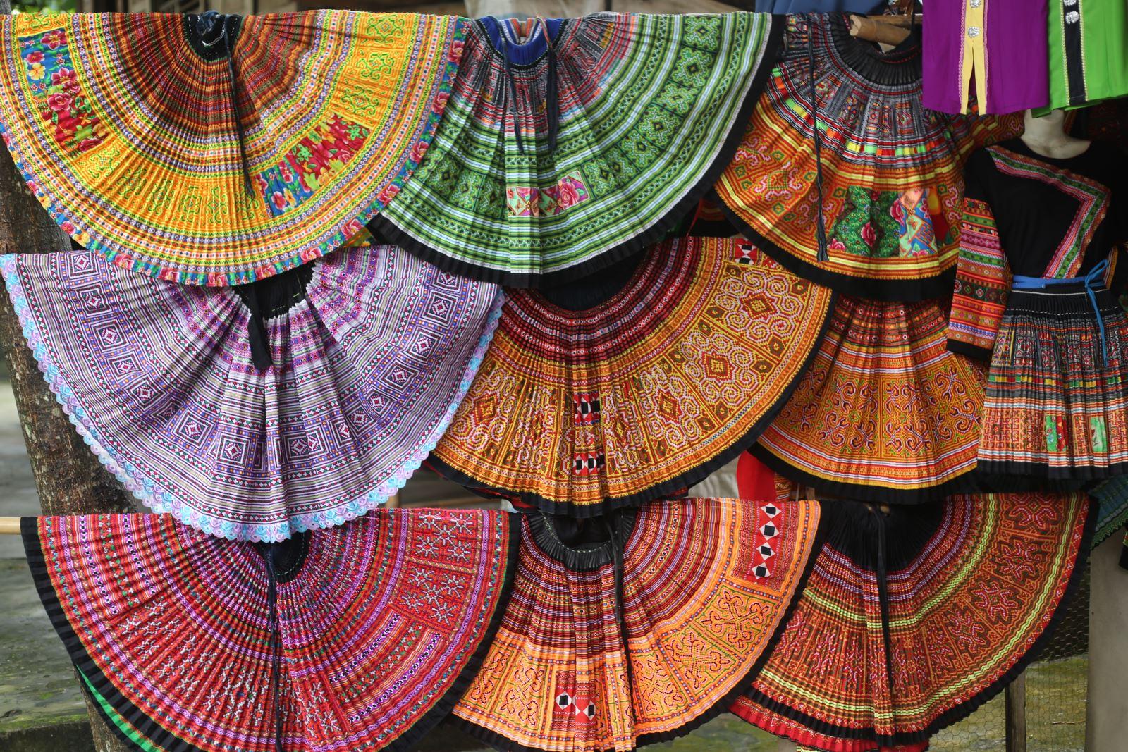 Acheter des produits artisanaux fabriqués par les Thaïlandais