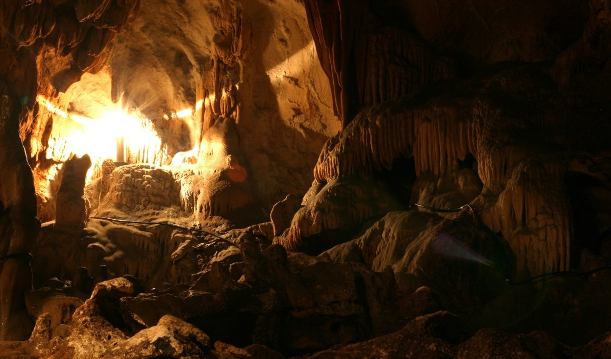 Explorez les grottes cachées de Mai Chau